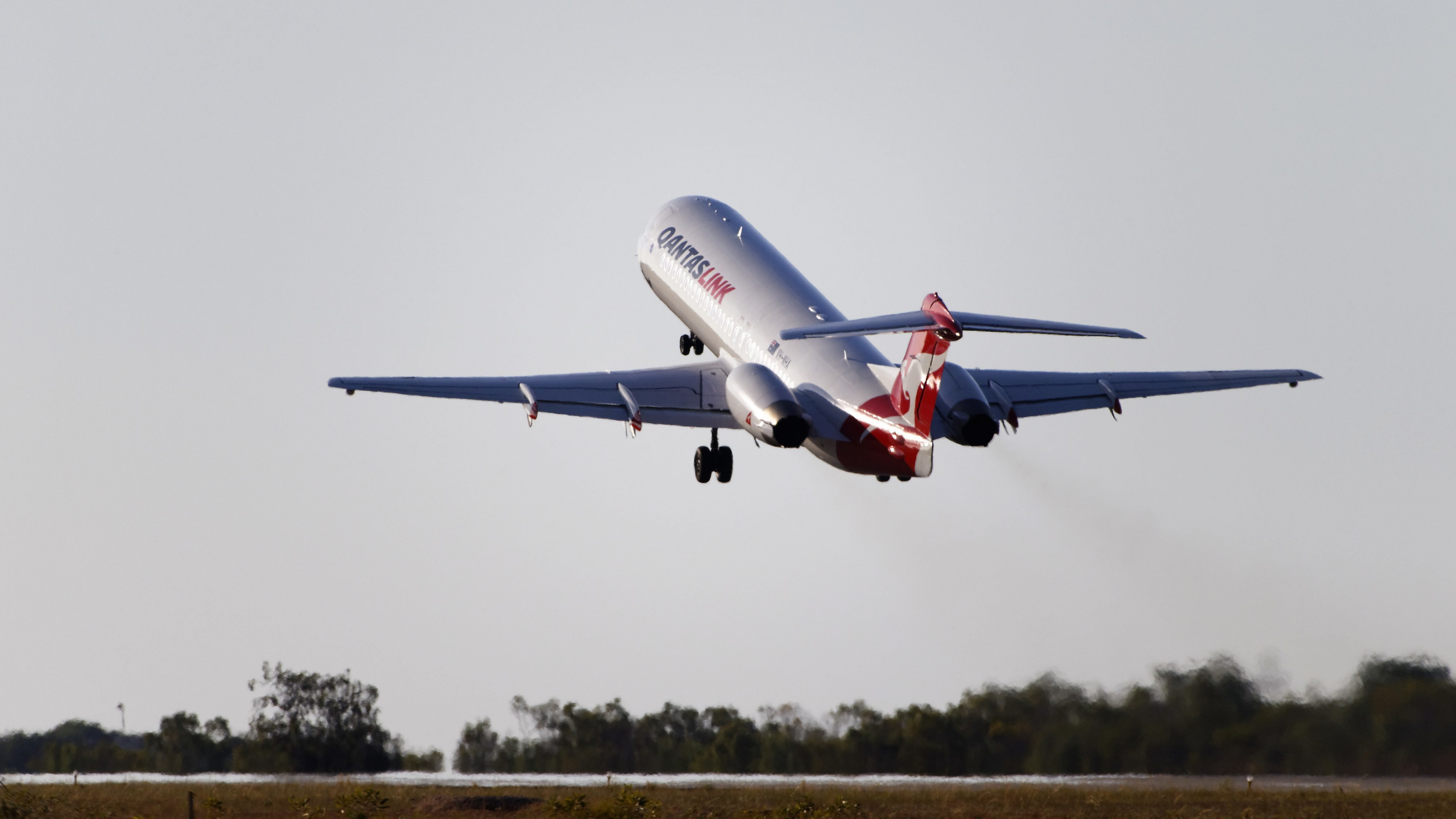 From Dehydration To Deep Vein Thrombosis, Here's How A Long Haul Flight Affects Your Body