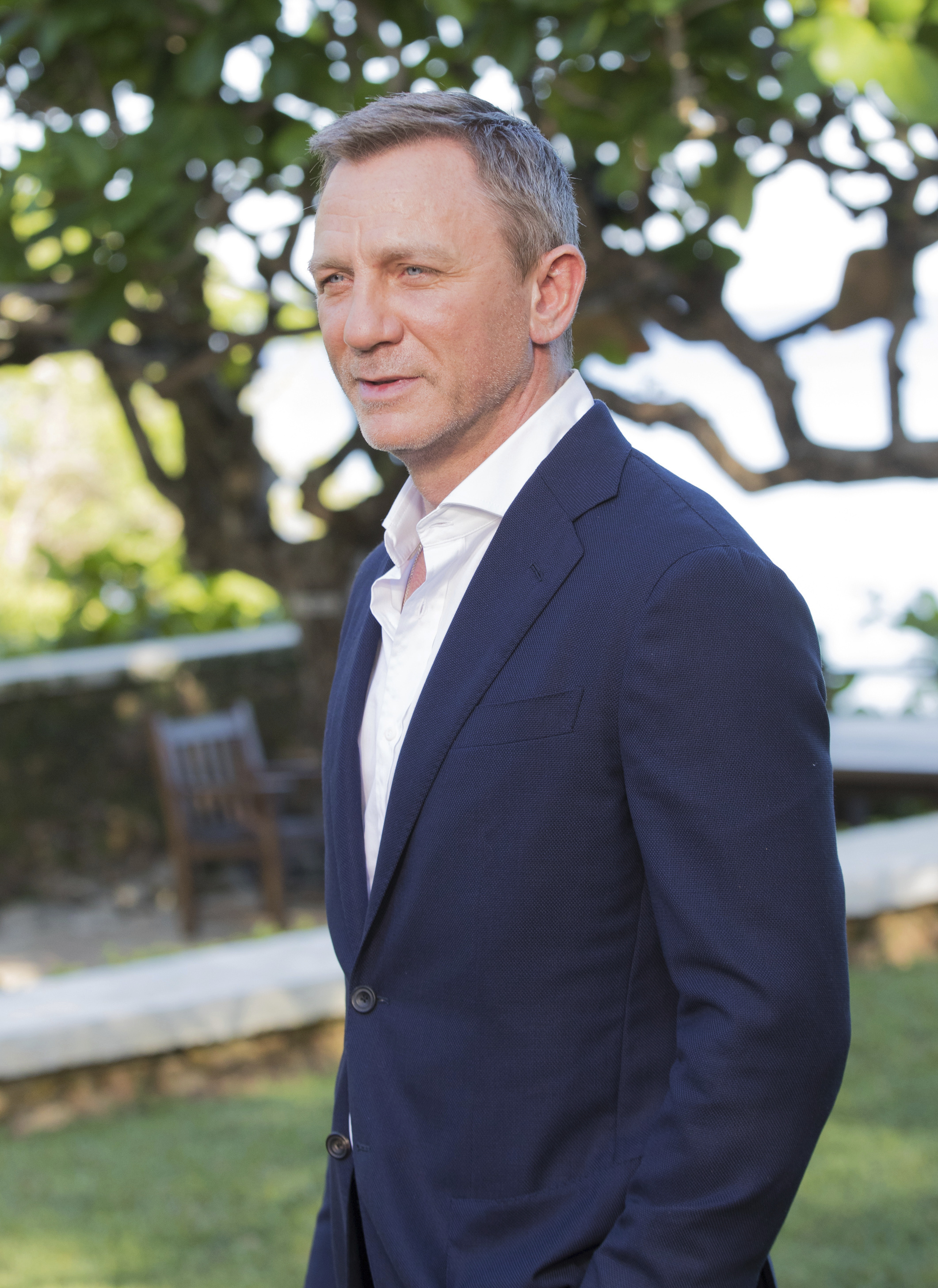 Daniel Craig Says A Woman Should Be Considered For Next ...