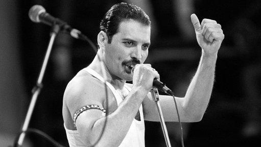 Video Shows Rami Malek In New Freddie Mercury Film Reenact Live Aid