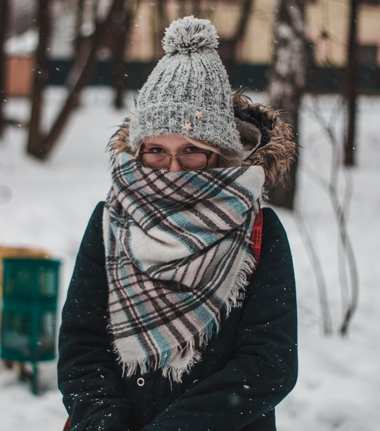 Although there is no legal limit employers are responsible for keeping the office warm enough for workers. (Credit: Pexels)