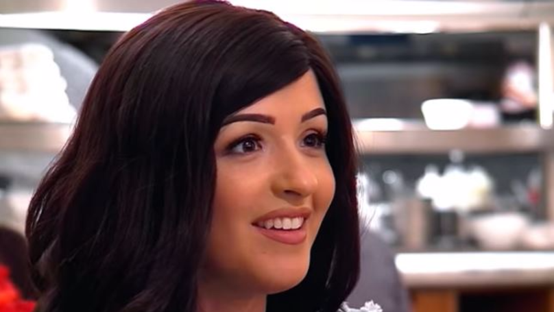 'First Dates' Contestant Leaves Viewers In Tears After Removing Her Wig