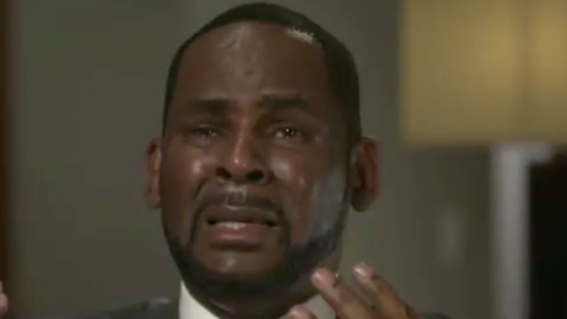 R Kelly Breaks Down As He Speaks Out For The First Time Since His Arrest