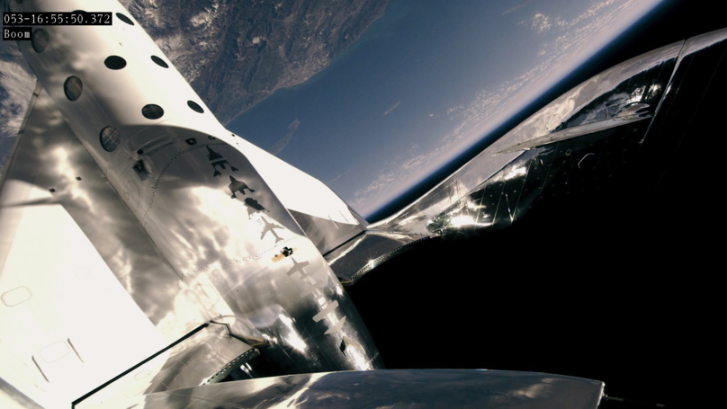 Amazing Footage Shows Virgin Galactic Pilots Soar Into Space