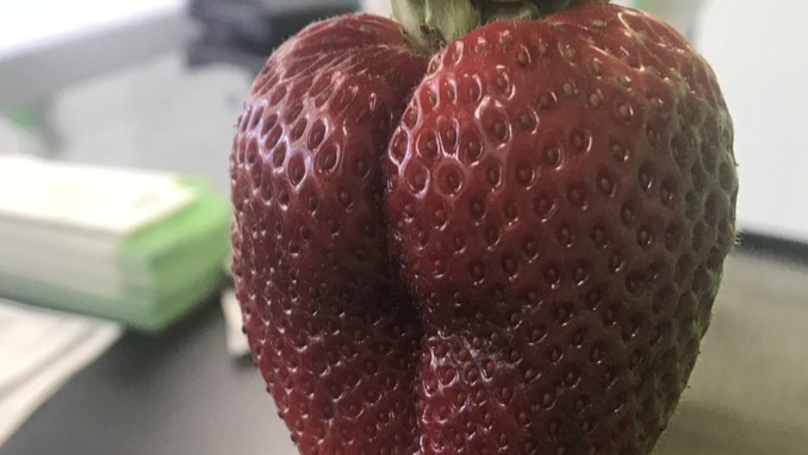 ​This Is The Sexiest Strawberry You'll Ever See