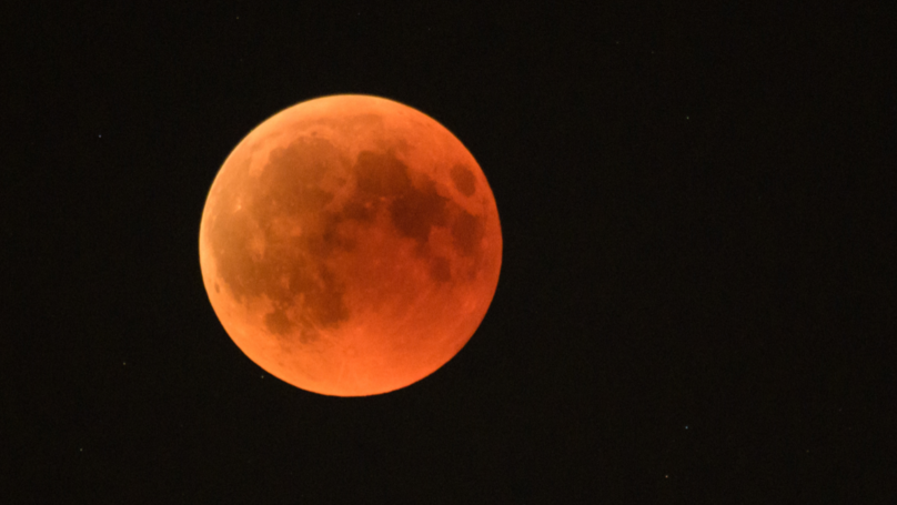 ​Super Blood Wolf Eclipse Will Turn Moon Red Tonight