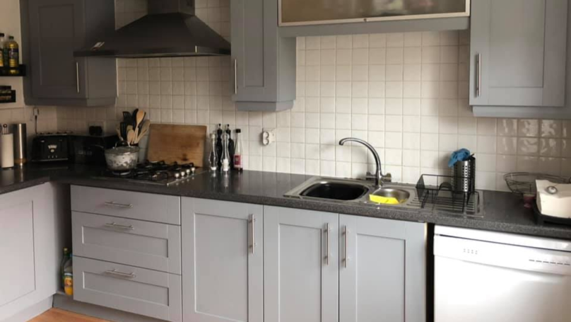 Mum Shares Photos Of How She Transformed Her Kitchen For £38