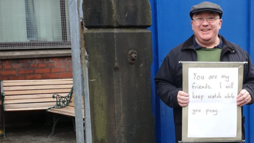 Christian Man Makes Gesture Of Solidarity Following New Zealand Terror Attack
