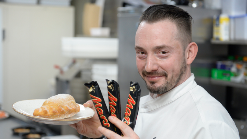 Scottish Takeaway Launches 2,000 Calorie Deep Fried Mars Bar Calzone