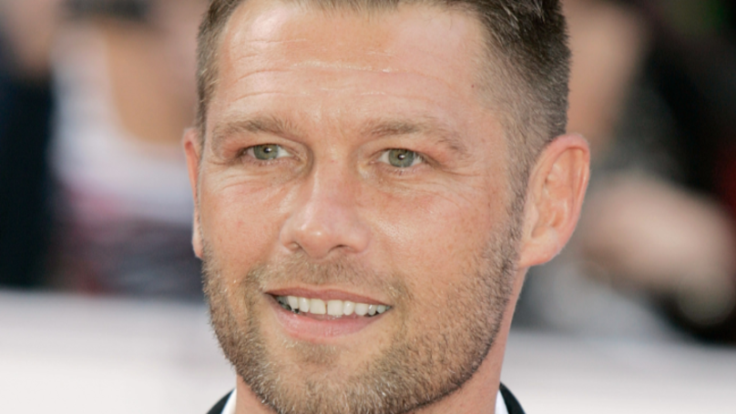 """John Partridge Emotionally Reveals He Had Testicular Cancer On 'The Full Monty"""""""