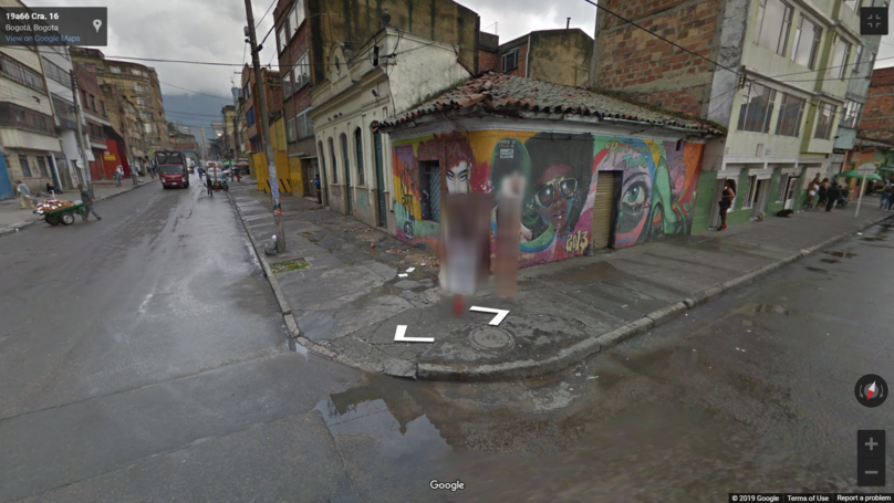 Google Maps Tries To Blur Out Street Girls In Bogata
