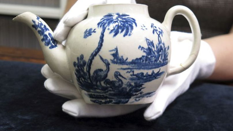Broken Antique Teapot Bought For 15 Quid Sells For Half A Million