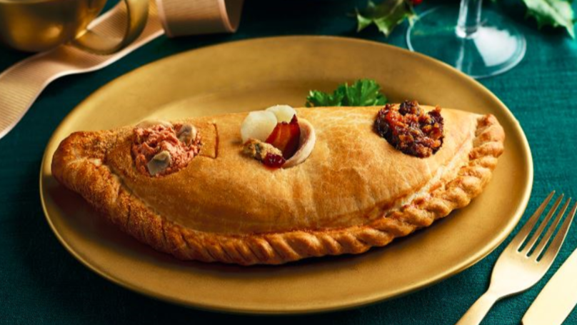 Morrisons Is Selling A Giant Pasty Filled With A Three Course Christmas Dinner