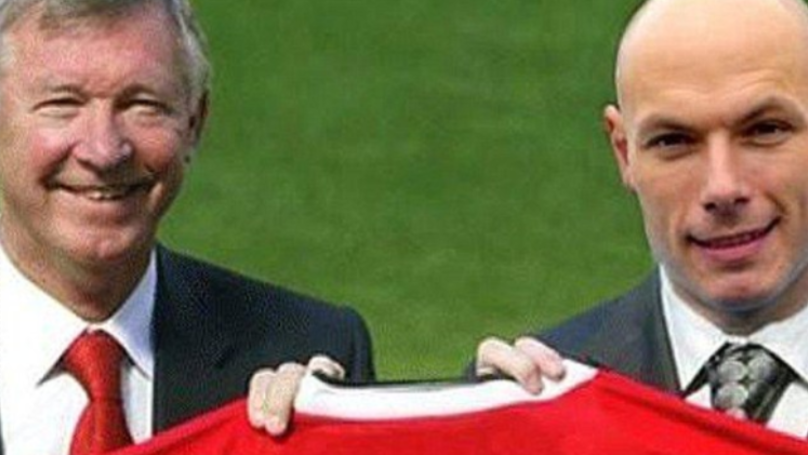 Punter Puts £1 On Howard Webb To Become Next Man Utd Manager, Paddy Power Pay Out