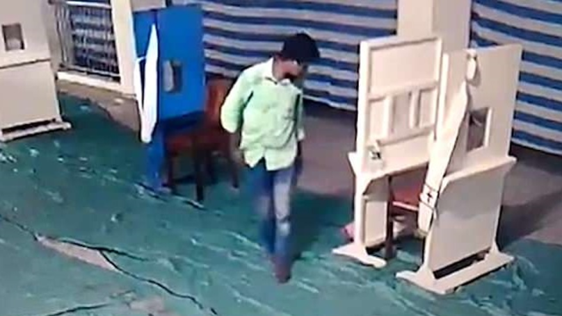 Father In India Filmed Kissing His Newborn Before Abandoning It
