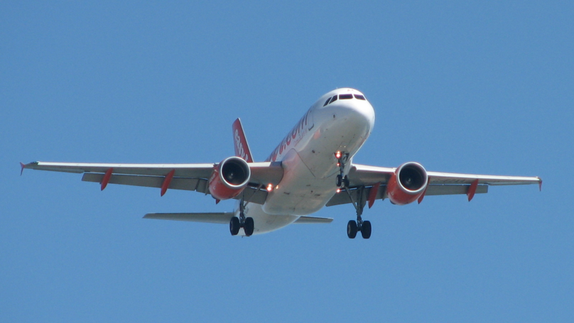 Important Reason Why You Have To Switch Your Phone To Airplane Mode During A Flight