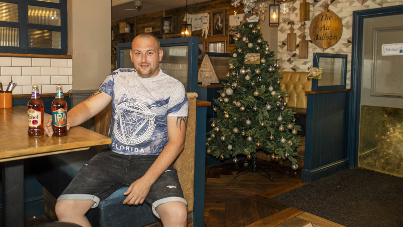 Pub Puts Christmas Tree Up On Hottest Day Of The Year