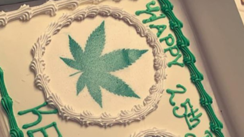 Mum Asks For 'Moana' Cake For Daughter's Birthday But Gets Marijuana-Themed One Instead