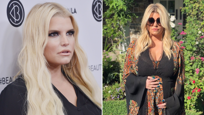 Jessica Simpson Wins 10 Year Challenge With Her Pregnancy Feet