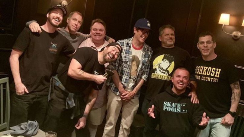 Jackass Reunion Teased After Johnny Knoxville Shares Photo Of Cast And Director
