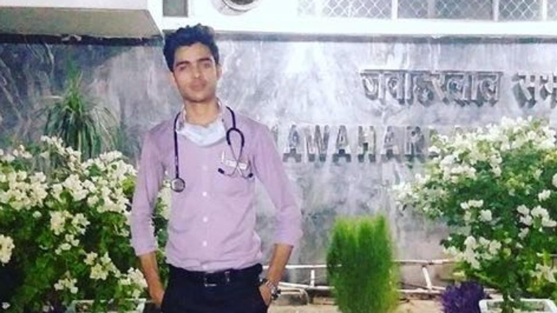 Teenager Is Arrested For Posing As Doctor For Five Months