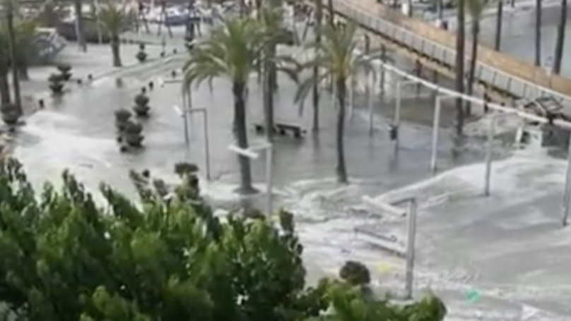 ​Mini Tsunami Hits Tourist Beaches In Menorca And Majorca