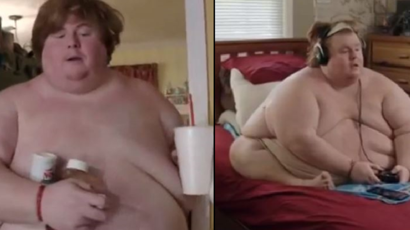 Man Who Weighs 50 Stone Sits Naked Playing Video Games