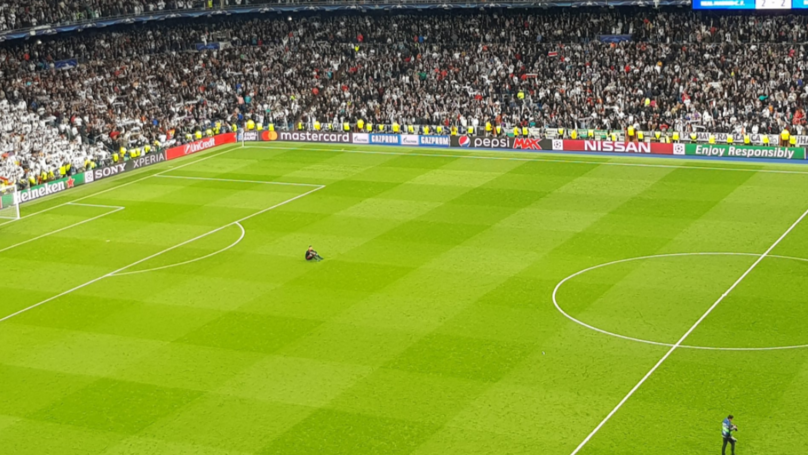 Bayern Munich Goalkeeper Sven Ulreich Pictured Looking Devastated On Bernabeu Pitch