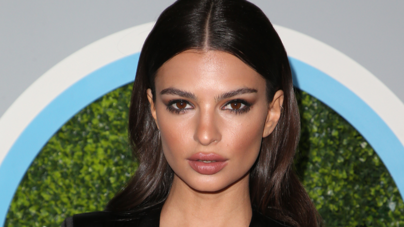 ​Emily Ratajkowski's Belly Button Triggers Very, Very Weird Plastic Surgery Trend