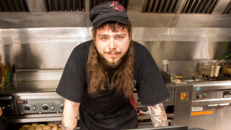 Post Malone 'Ordered 500 Chicken Wings' For Him And His Crew