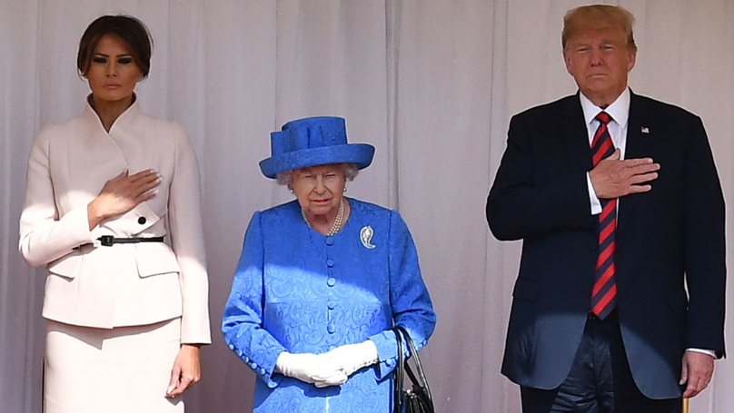 People Reckon The Queen Had A Sly Dig At Donald Trump With Her Jewellery Choices