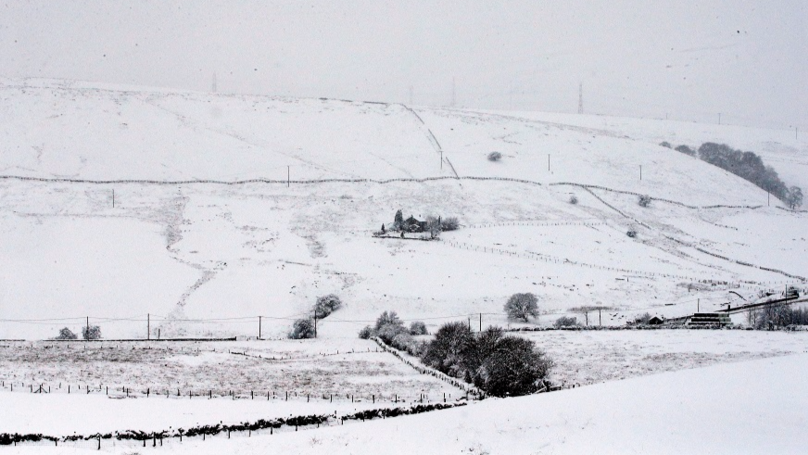 Severe Weather Warning Issued For UK With Heavy Snowfall Expected