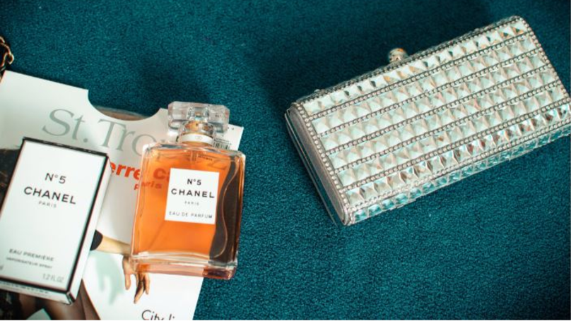 This Is How To Make Your Perfume Last Longer During Party Season