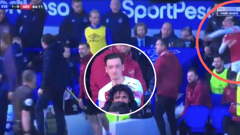 Mesut Özil Nearly Hits Unai Emery With His Jacket After Being Subbed Off Against Everton