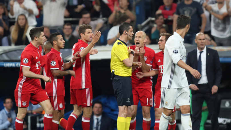 Three Bayern Players Went Into The Dressing Room Of The Referee
