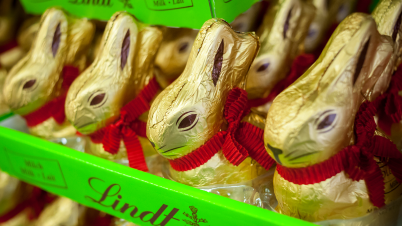 Giant 1kg Lindt Chocolate Bunnies Exist And We Need One