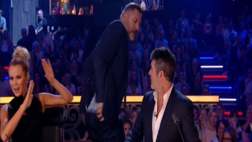 David Walliams Gets His Bum Out On Live TV To Show Off Simon Cowell Tattoo