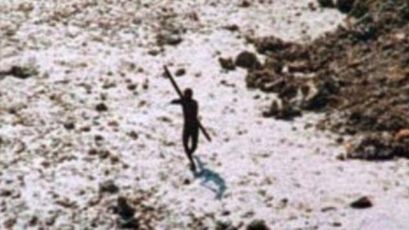 美国传教士与箭死于部落在印度偏远岛上