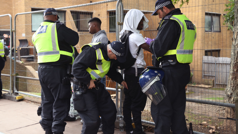One Man Stabbed, 370 Arrested And 30 Police Officers Hurt At Notting Hill Carnival