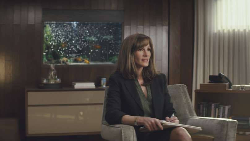 Everyone Is Completely Obsessed With Julia Roberts' First TV Series 'Homecoming'