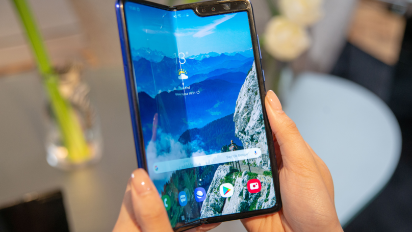 Samsung's New Folding Phones Are 'Breaking Within Days'