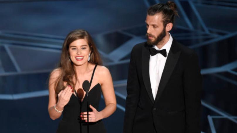 Ex-Hollyoaks Actress Rachel Shenton Uses Sign Language To Accept Oscar