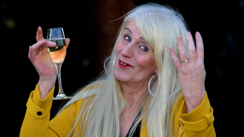 Lotto Winner Melissa Ede Spends £42k On New Teeth