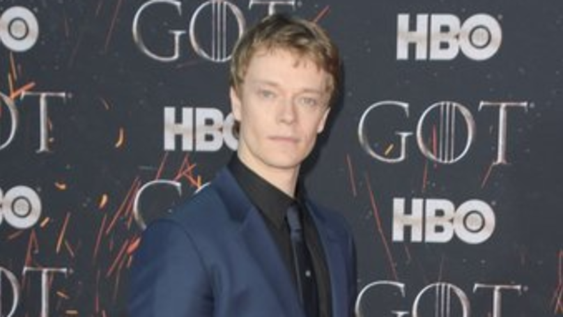 Alfie Allen Got His Penis Caught In His Zip When He Met Princess Diana
