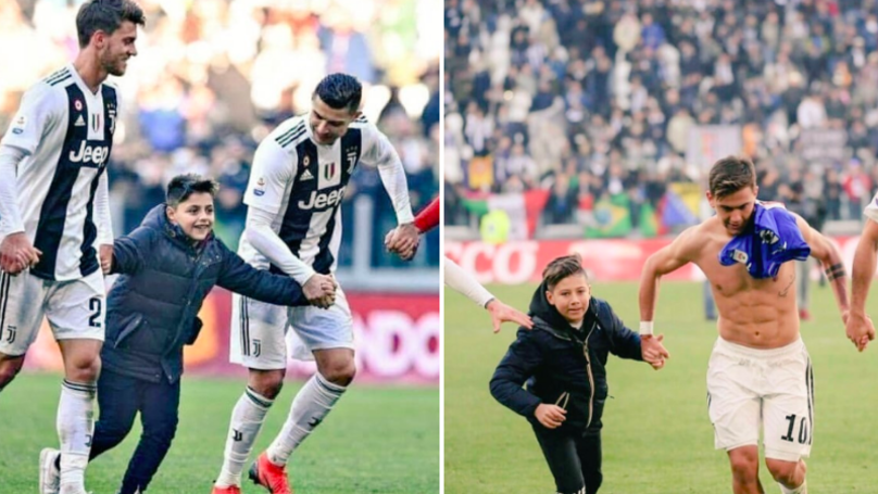 Two Young Juventus Fans Invade Pitch And Salute Juventus Fans With Players