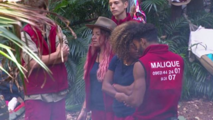 Viewers Are Convinced Malique Thompson-Dwyer Had A Phone In The Jungle