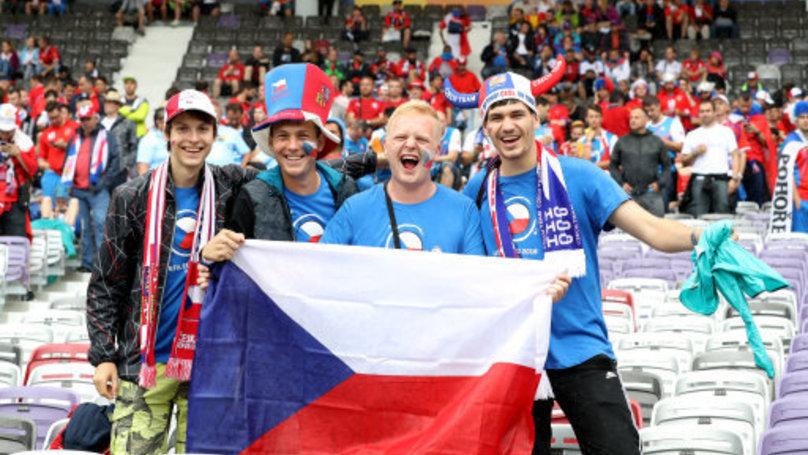 people living in czechia are still calling it the czech republic