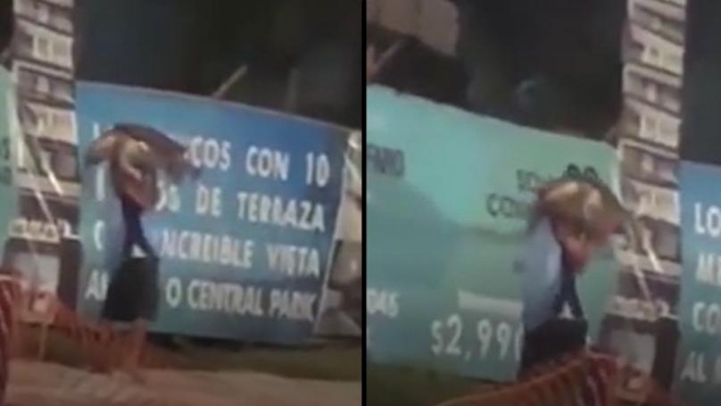 """男人看到""""试图窃取保护海龟""""在墨西哥"""