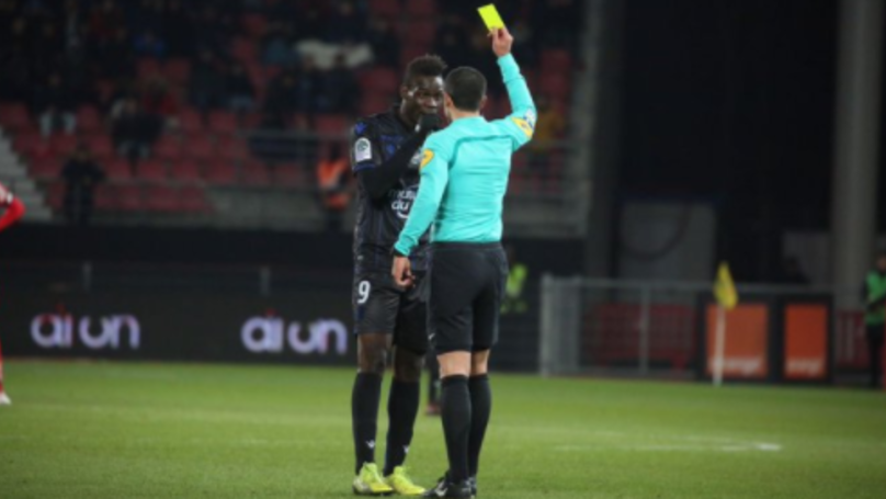 Mario Balotelli Received A Yellow Card For Complaining About Alleged Racist Chants
