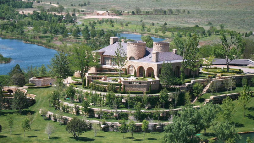 Take A Look Inside A Billionaire Oil Tycoon's $250m Texas Ranch