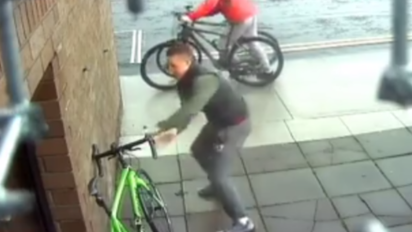 Cyclist Nearly Has His Bike Stolen Within Seconds Of Leaving It Unattended